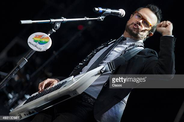 Mexican singer Aleks Syntek perfoms during '40 Principales Awards' 2014 at Azteca Stadium on May 21 2014 in Mexico City Mexico