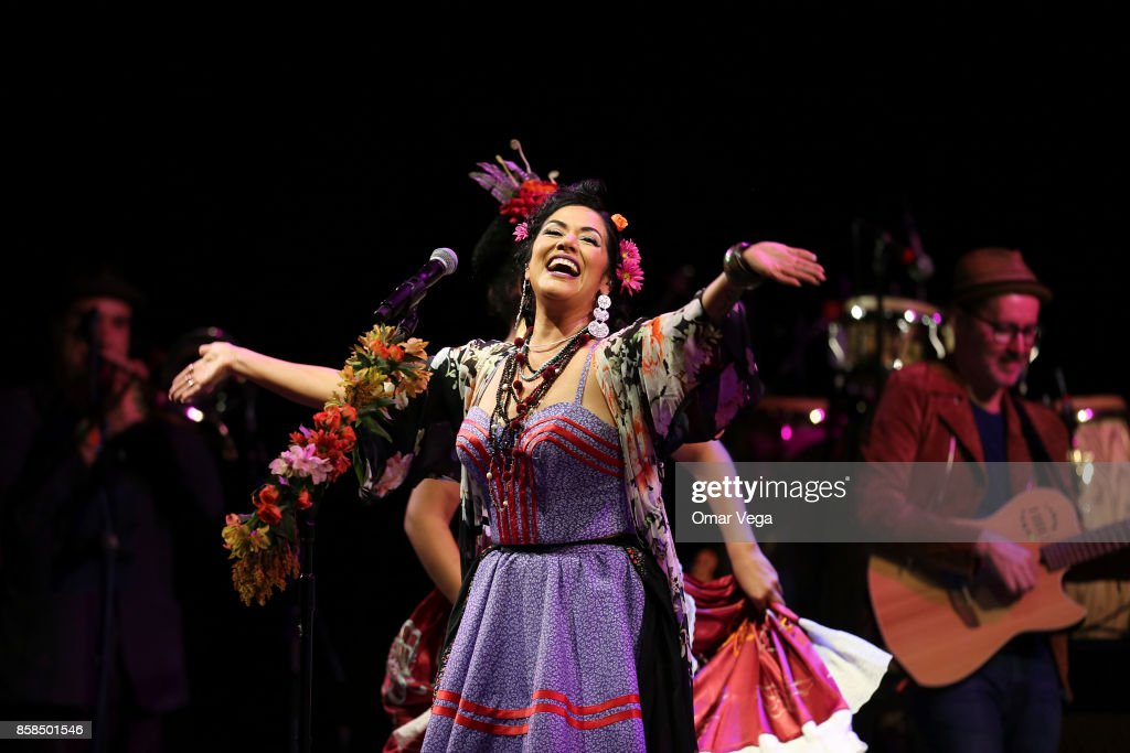 Mexican singer Lila Downs performs during a show at AT&T Performing Arts Center on October 06, 2017 in Dallas, Texas.