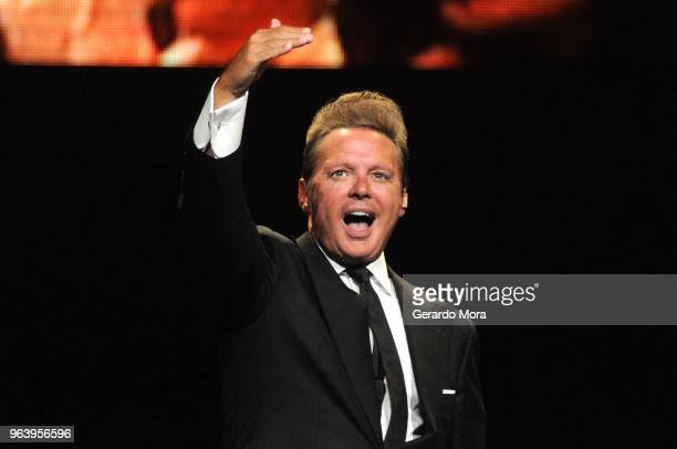Mexican singer Luis Miguel performs during a show as part of the 'Mexico por Siempre' Tour at Amway Center on May 30 2018 in Orlando Florida