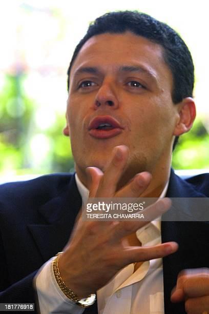 "Mexican singer, Pedro Fernandez, gestures, 3 July 2001, in San Jose, Costa Rica. ACOMPANA NOTA: ""PEDRO FERNANDEZ CREE QUE IRAN AL MUNDIAL EEUU,..."