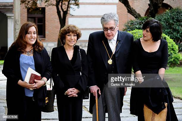 Mexican writer Jose Emilio Pacheco and relatives pose for the photographers after the Cervantes Prize ceremony at Alcala de Henares University on...