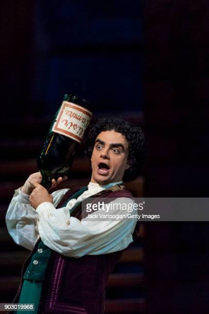 Mexicanborn French tenor Rolando Villazon performs during the final dress rehearsal of Act 2 of the Metropolitan Opera/John Copley production of...