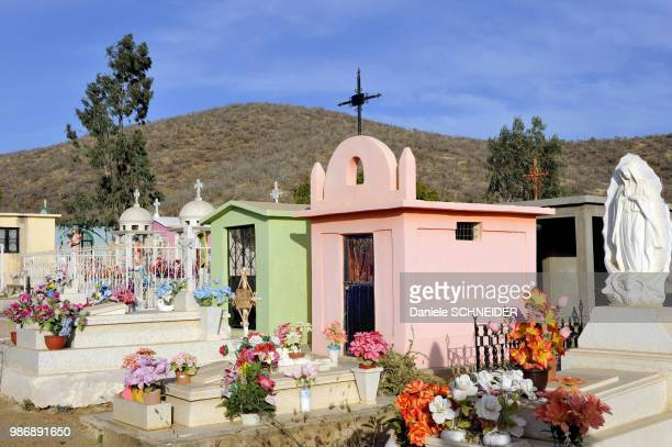 mexico, baja california, todos santos cementery - todos santos mexico fotografías e imágenes de stock