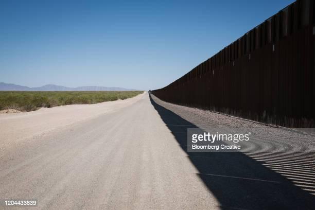 usa mexico border wall - メキシコ北部 ストックフォトと画像