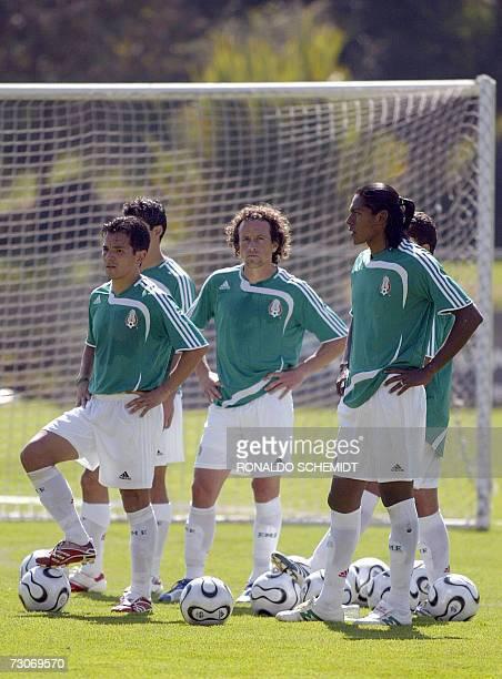 De izquierda a derecha Israel Lopez Gerardo Torrado y Joel Huiqui seleccionados mexicanos de futbol durante un entrenamiento en la ciudad de Mexico...