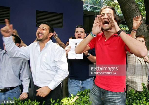 Militantes del Partido de Accion Nacional gritan consignas en contra del candidato presidencial izquierdista Andres Manuel Lopez del Partido de la...
