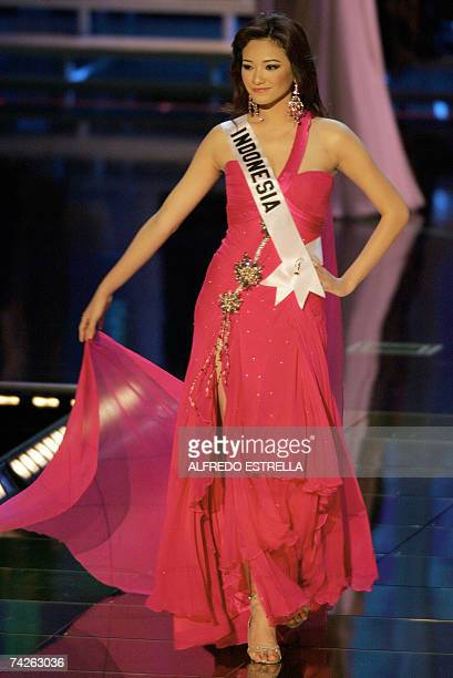 Miss Indonesia 2007 Agni Kuswardono poses during the Miss Universe 2007 Contest at the National Auditorium in Mexico City 23 May 2007 AFP...