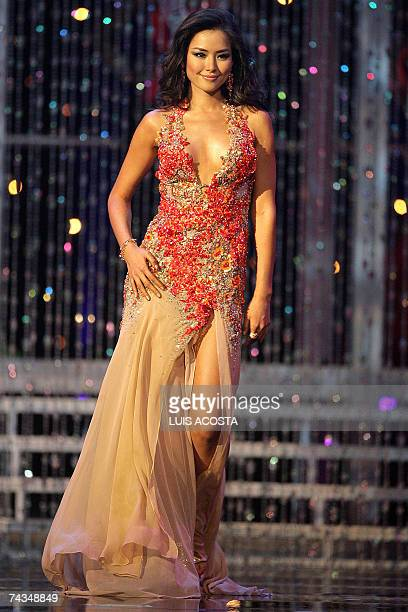 One of the ten finalists Miss Korea Honey Lee is pictured during the finals of the Miss Universe 2007 pageant in Mexico City 28 May 2007 Miss Japan...
