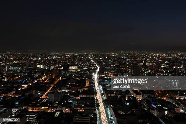 Vue sur la ville de Mexico, de nuit