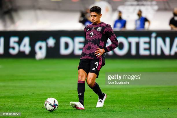 Mexico Edson Alvarez passes the ball during the game between Mexico and Iceland on May 29, 2021 at AT&T Stadium in Arlington, Texas.