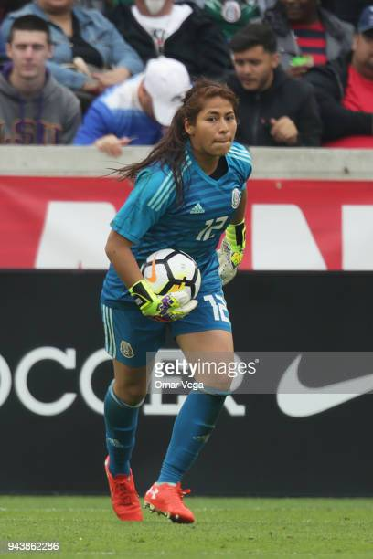 Mexico Goalkeeper Cecilia Santiago holds the ball during the match between Mexico and United States at BBVA Compass Stadium on April 8 2018 in...