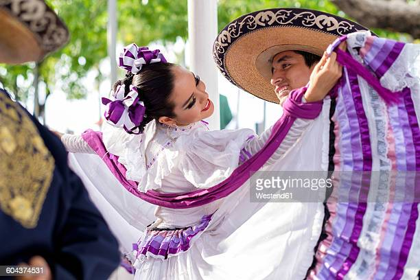 mexico, jalisco, xiutla dancer, folkloristic mexican dancers, couple - traditional ceremony stock pictures, royalty-free photos & images