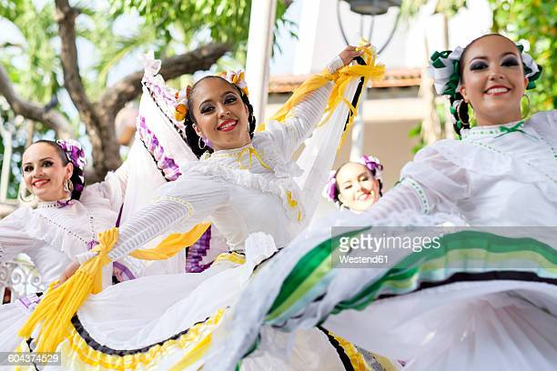 mexico, jalisco, xiutla dancer, folkloristic mexican dancers - traditional ceremony stock pictures, royalty-free photos & images