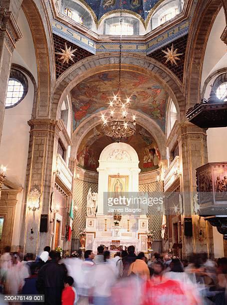 mexico, mexico city, d.f., basilica of virgin of guadalupe, interior - festival de la virgen de guadalupe fotografías e imágenes de stock