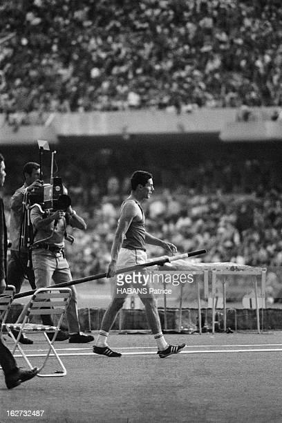 Mexico Olympics Games 1968 Les JO de Mexico du 12 au 27 octobre 1968 Athlétisme Saut à la perche hommes Le perchiste français Hervé D'ENCAUSSE