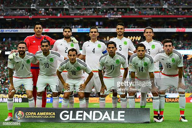 Mexico poses for a team photo prior to taking on Uruguay during the 2016 Copa America Centenario Group C match at University of Phoenix Stadium on...