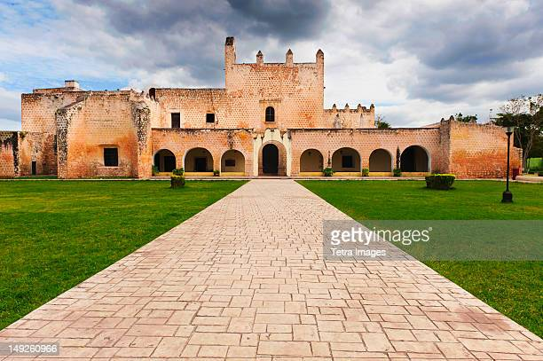mexico, yucatan, valladolid, historical building - yucatan stock pictures, royalty-free photos & images