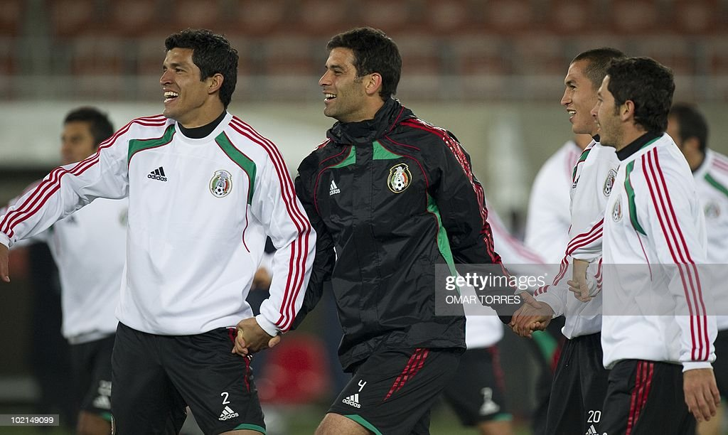 Mexico's footballer (L-R) Francisco Rodriguez, Rafael Marquez, Jorge Torres Nilo and Israel Castro, during a training session at Peter Mokaba stadium in Polokwane on June 16, 2010. Mexico will face France next June 17 in their second Group A game of the World Cup 2010 in Polokwane.