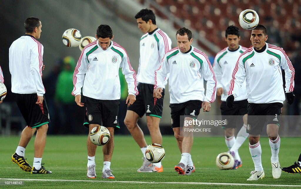 Mexico's footballers Jorge Torres Nilo, Israel Castro, Francisco Rodriguez, Gerardo Torrado and Carlos Salcido take part in a training session at Peter Mokaba stadium in Polokwane on June 16, 2010. Mexico will face France next June 17 in their second Group A game of the World Cup 2010 in Polokwane.