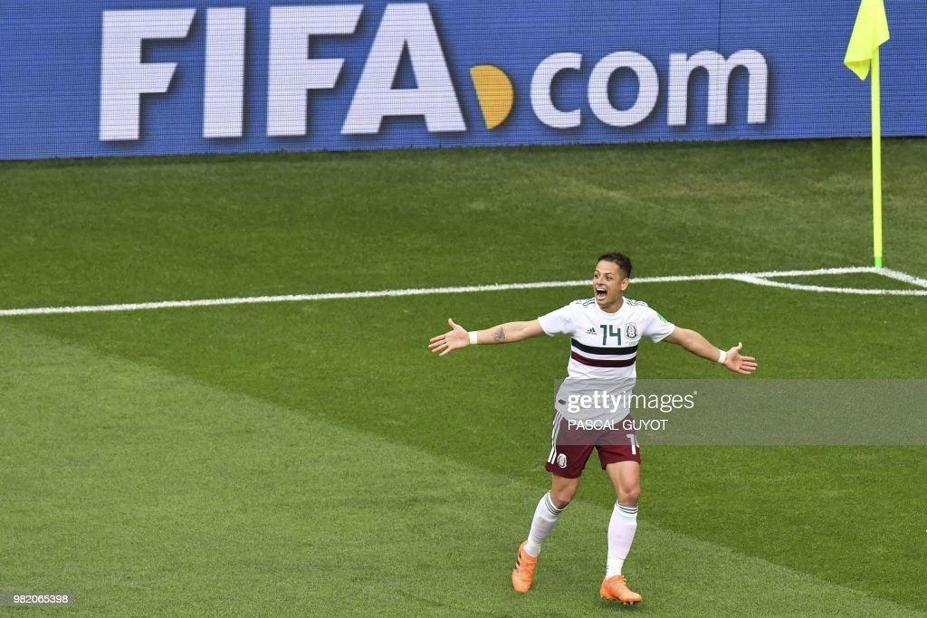 TOPSHOT - Mexico's forward Javier Hernandez celebrates scoring their second goal during the Russia 2018 World Cup Group F football match between South Korea and Mexico at the Rostov Arena in Rostov-On-Don on June 23, 2018. (Photo by PASCAL GUYOT / AFP) / RESTRICTED