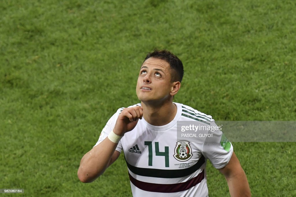 TOPSHOT - Mexico's forward Javier Hernandez reacts after the final whistle in the Russia 2018 World Cup Group F football match between South Korea and Mexico at the Rostov Arena in Rostov-On-Don on June 23, 2018. (Photo by PASCAL GUYOT / AFP) / RESTRICTED