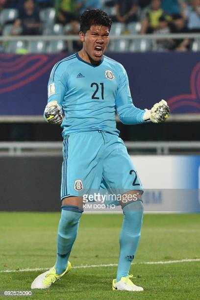 Mexico's goalkeeper Abraham Romero reacts during the U20 World Cup quarterfinal football match between England and Mexico in Cheonan on June 5 2017 /...