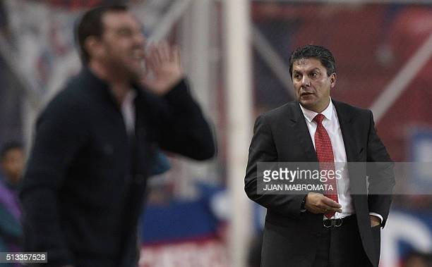 Mexico's Toluca coach Jose Cardozo gestures during the Copa Libertadores 2016 group 6 football match against Argentina's San Lorenzo at Pedro...
