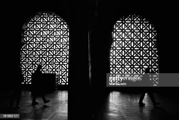 mezquita interior - mesquita imagens e fotografias de stock