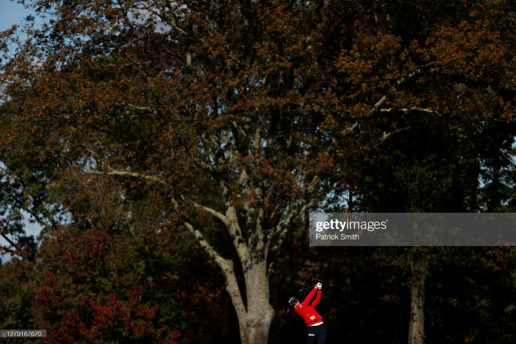 https://media.gettyimages.com/photos/mi-hyang-lee-of-korea-plays-her-shot-from-the-third-tee-during-the-picture-id1279167670?s=2048x2048