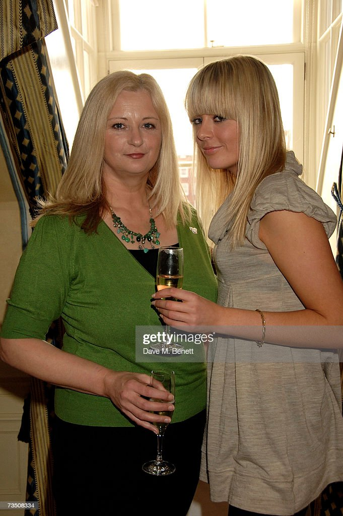 Mia Dolan with daughter Tania attend the DoorOne.co.uk Pamper Party hosted by Pearl and Daisy Lowe, at Claridges on March 6, 2007 in London, England.