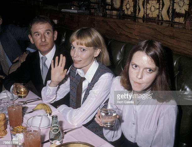 Mia Farrow and her sister Tisa