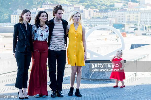Mia Goth Juliette Binoche Robert Pattison Agata Buzek and Scarlett Lindsey attend the 'High Life' photocall during the 66th San Sebastian...