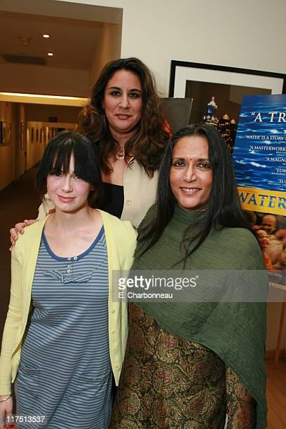Mia Kirshner Amnesty International's Bonnie Abaunza and Director Deepa Mehta