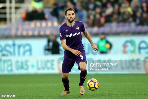 Mialn Badelj of ACF Fiorentina in action during the Serie A match betweenACF Fiorentina and Genoa CFC at Stadio Artemio Franchi on December 17 2017...