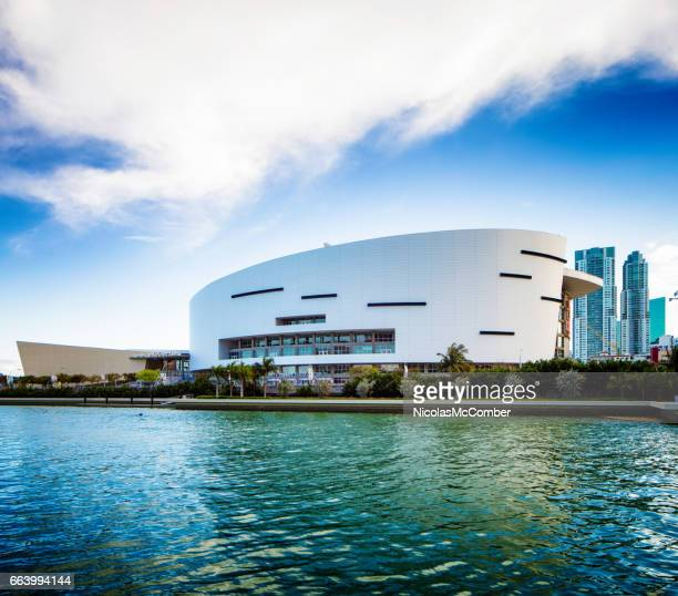 miami american airlines stadium side view - miami heat basketball team stock pictures, royalty-free photos & images
