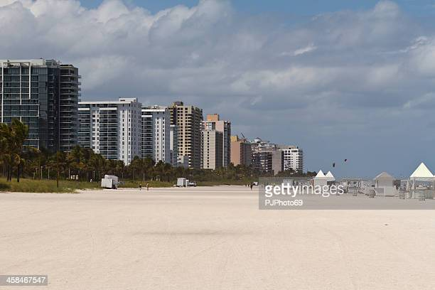 miami beach und apartments - pjphoto69 stock-fotos und bilder
