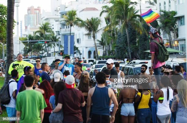 Miami Beach contra manifestantes y Gay Pride Festival 2018 manifestantes