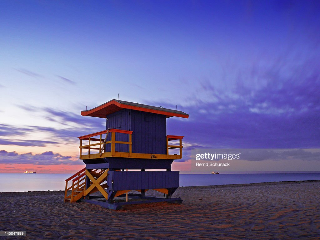 Miami Beach Lifeguard station at dawn : Stock Photo