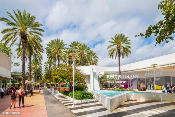 miami beach, lincoln road - florida (us) - lincoln road stock pictures, royalty-free photos & images