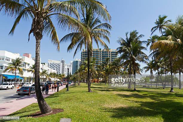 Miami Beach - The promenade on Ocean Drive