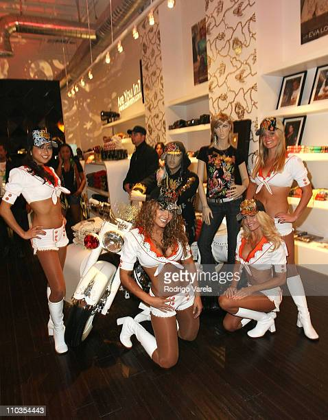 Miami Dolphins Cheerleaders Pictures and Photos - Getty Images