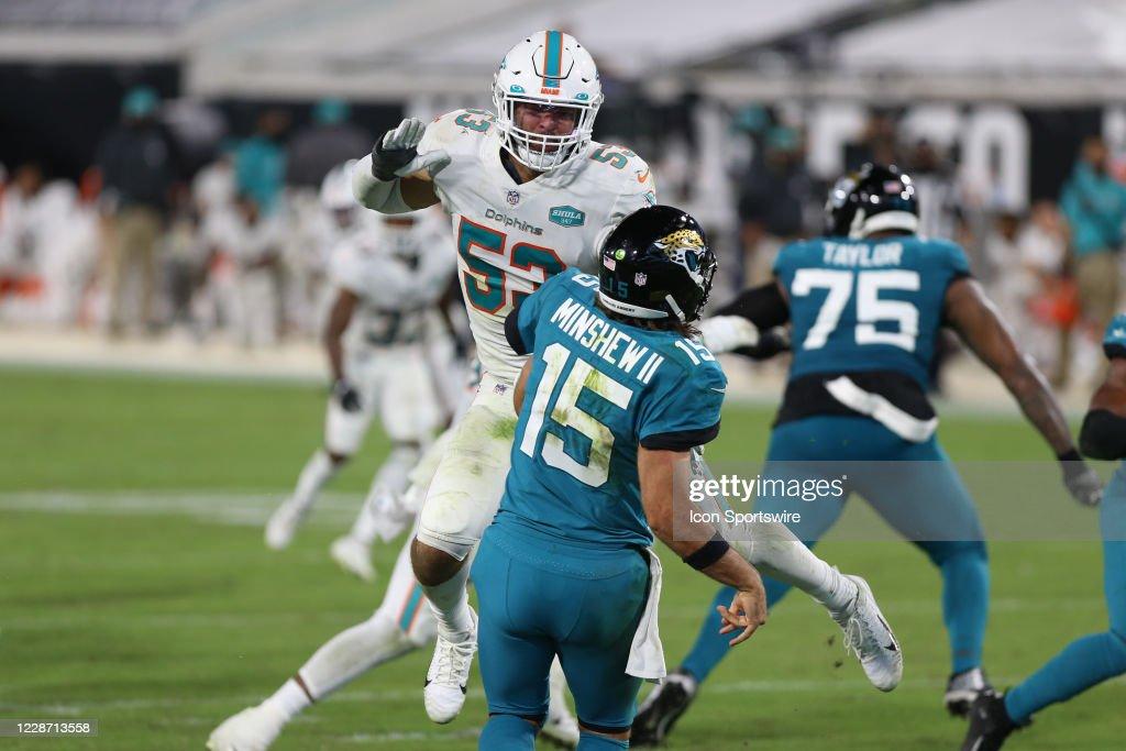 NFL: SEP 24 Dolphins at Jaguars : ニュース写真