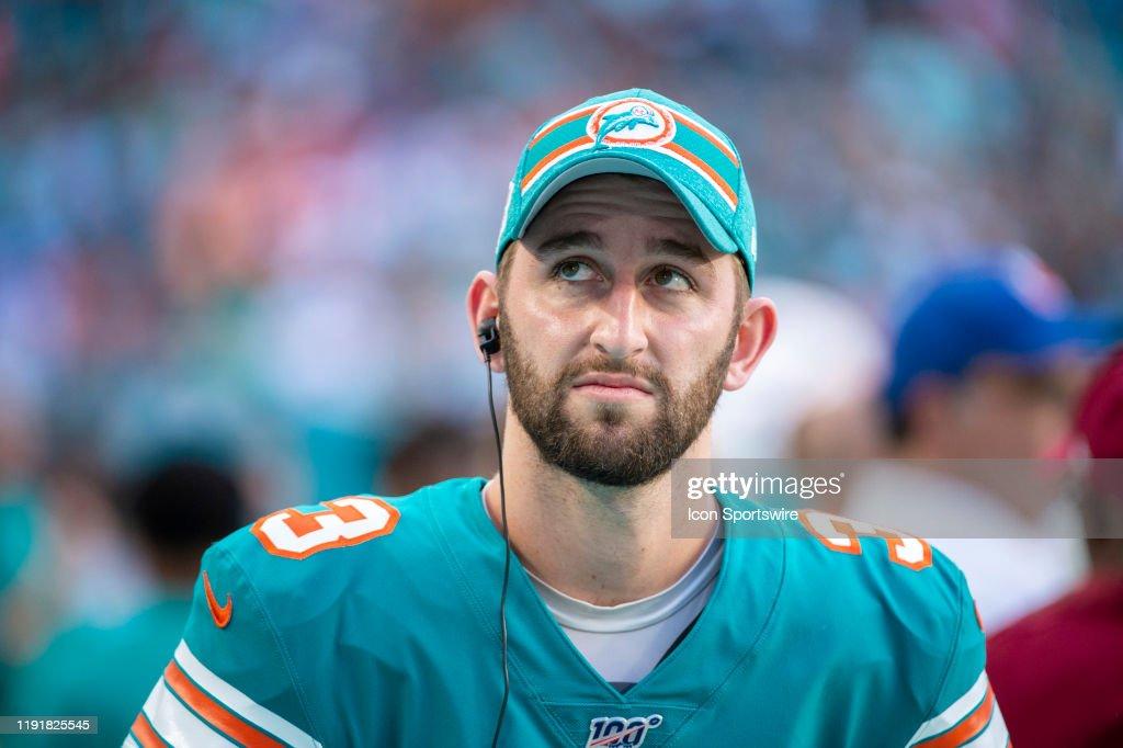 NFL: DEC 01 Eagles at Dolphins : News Photo