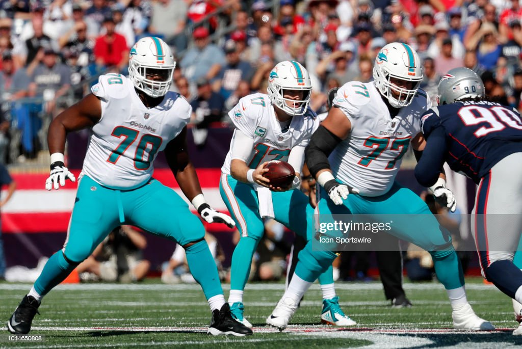 NFL: SEP 30 Dolphins at Patriots : News Photo