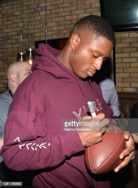 Miami Dolphins running back Kenyan Drake attends a 5-Pound Charity Eating Contest to Benefit The Boys & Girls Club of Broward County at Smokey Bones...