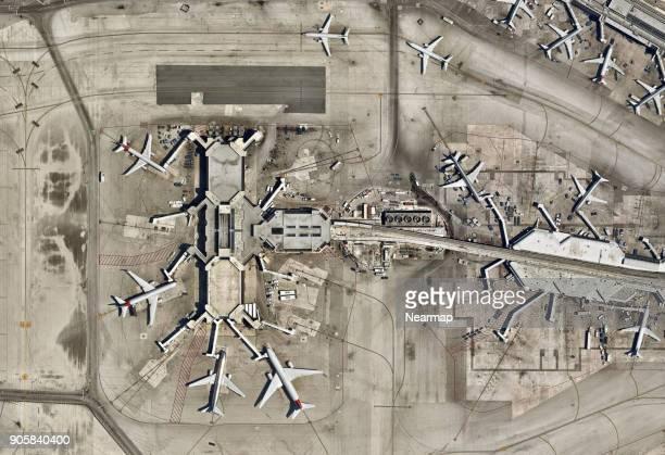 miami international airport, florida - aeropuerto internacional de miami fotografías e imágenes de stock