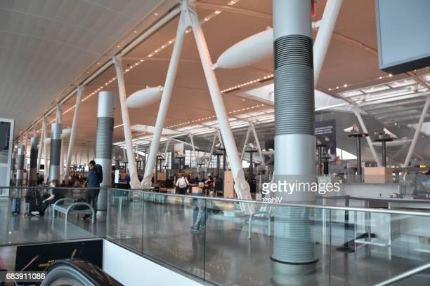 seguridad de aeropuerto internacional de miami, estados unidos - aeropuerto internacional de miami fotografías e imágenes de stock