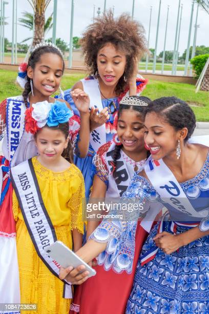 Miami, Junta Hispania Hispanic Festival, beauty pageant contestants.