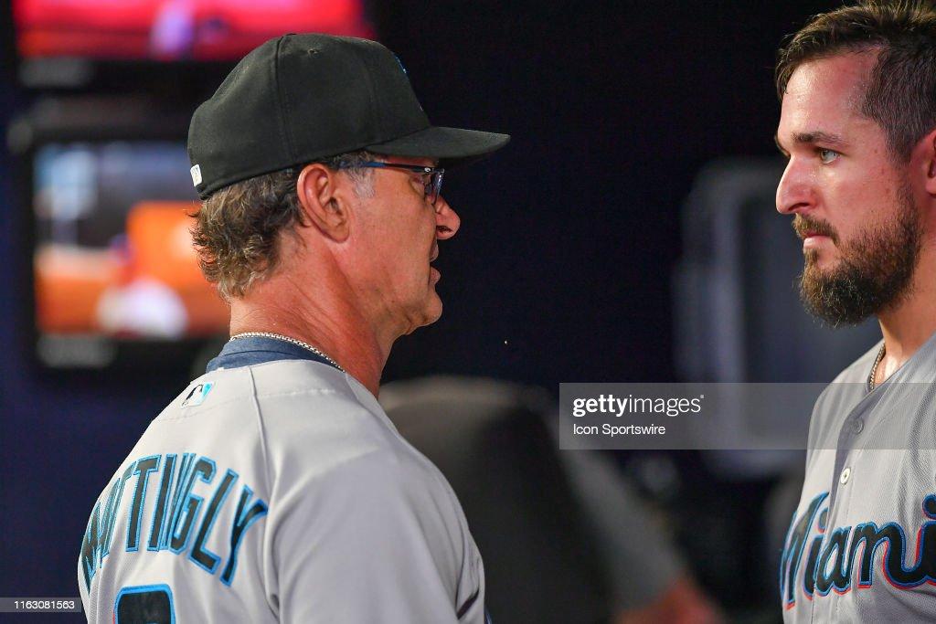 MLB: AUG 21 Marlins at Braves : News Photo