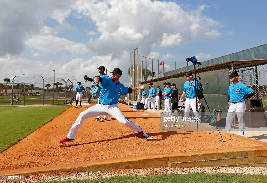 Miami Marlins first full-squad spring training workout 2/18/2019 : News Photo
